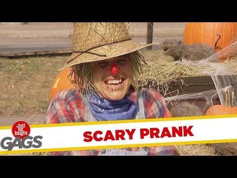Scarecrow Scare Prank