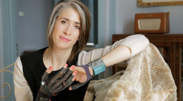 Epic Imogen Heap Gloves Can Be Used To Make Great Music