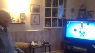 95 Years Old Grandpa Plays Boxing Game On Wii