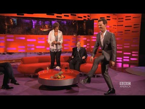 Benedict Cumberbatch Tries To Walk Like Beyonce