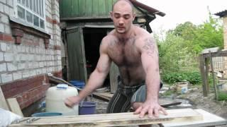 Ukrainian Guy Uses His Hand As A Hammer