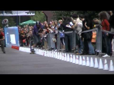 Awesome - Slalom Skateboarding Guinness Record