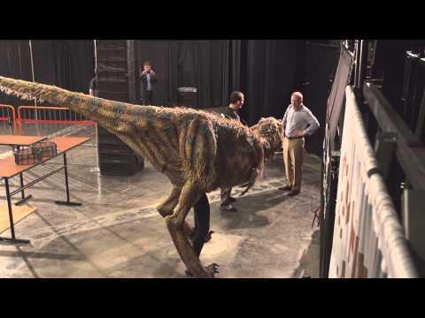 Funny Dinosaur Scare Prank On The Phoenix Suns Basketball Team