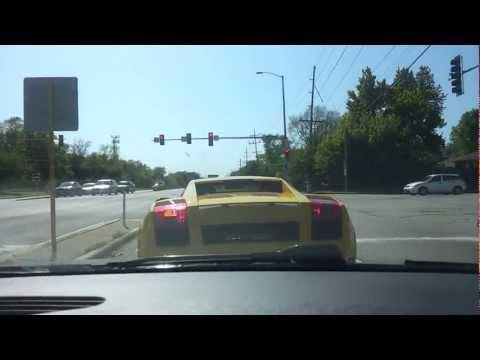 FAIL - Stupid Driver Crashes His Lamborghini