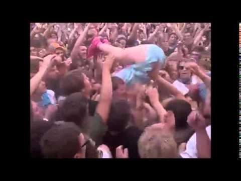 Katy Perry's Stage Dive Fail
