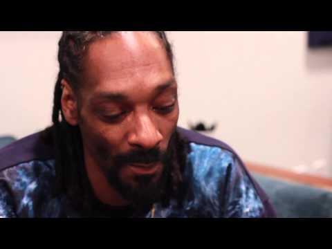 Snoop Dogg Reads Funny Stories From Reddit
