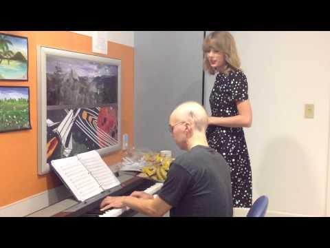 Taylor Swift Surprises Cancer Patient And Sings Adele's Someone Like You