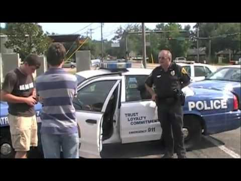 Jokes - Guy's Car Gets Towed And He Pays The Fine With Pennies