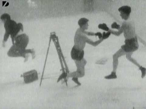 Boxing - Underwater Boxing Match
