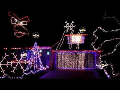 Awesome - Angry Birds Theme Christmas House Light Show