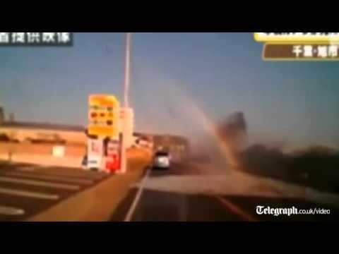 Scary - Driver Films His Car Getting Hit By Tsunami