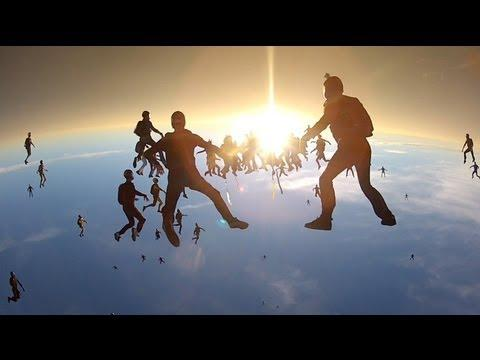 Amazing - World Record Set By Vertical Skydivers