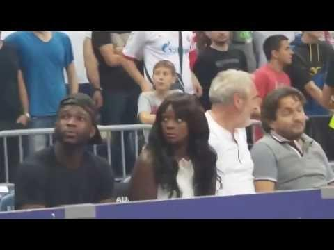 Woman's Funny Reaction To Cheering Fans