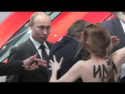 What If Vladimir Putin Had A Facebook - Facebook Movie Spoof