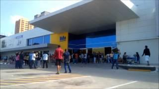 Venezuelan People Looting At Daka Electronic Store