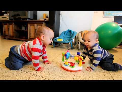 Cute - Twin Baby Boys Dance To Music
