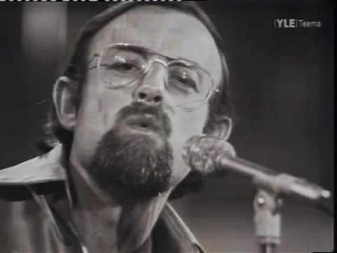 Nobody Can Beat Roger Whittaker In Whistling