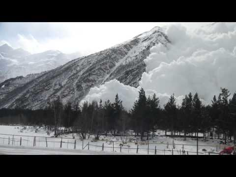 Scary - Avalanche Caught On Camera