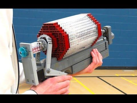 Syringe Gun From Team Fortress 2 Game Recreated Using LEGO Blocks