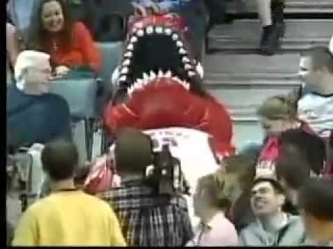 FAIL - Toronto Raptors Mascot FAIL