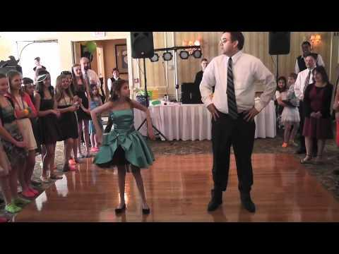 Jokes - Father And Daughter Dance
