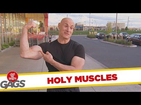 Bodybuilder Crushes Tomatoes Prank
