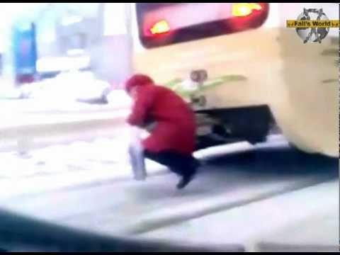 FAIL - Granny Beats Up Robbers