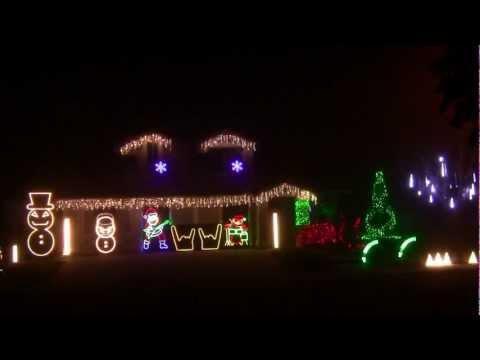 Awesome - Metallica Christmas House Light Show