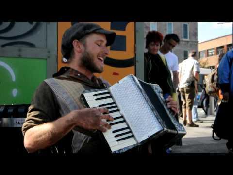 Scott Dunbar - One Man Band Singing Michael Jackson's Billy Jean