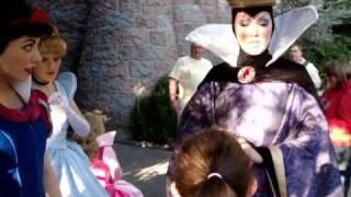 Young Girl Asks The Evil Queen If She's Jealous Of Snow White At Disney Land