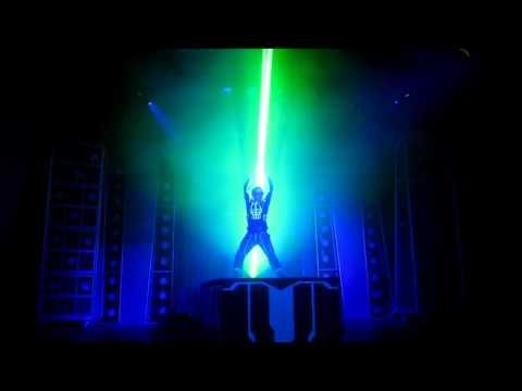 Amazing - Laserman Puts On A Laser Light Show At Disney