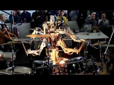 Cool - Robot Plays The Drums