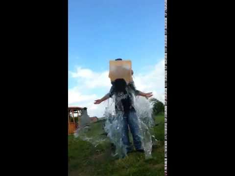 Little Late And Funny Ice Bucket Challenge Fail