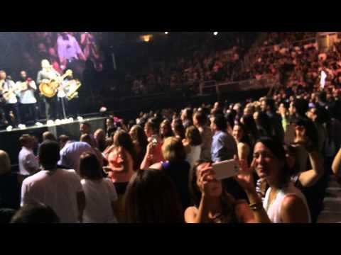 25,000 Fans And Justin Timberlake Sing Happy Birthday To 8 Years Old Julian