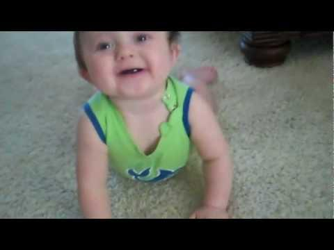 Jokes - Daddy Scares His Baby