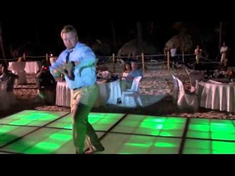 Jokes - Best Man Dances At A Wedding