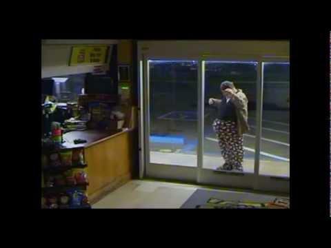 FAIL - Really Dumb Thief At A Store FAIL
