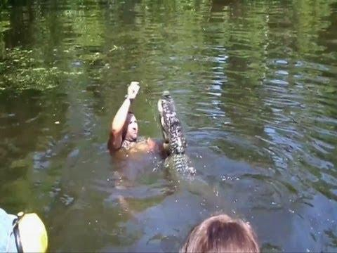 Guy With Death Wish Feeds Alligators With His Mouth