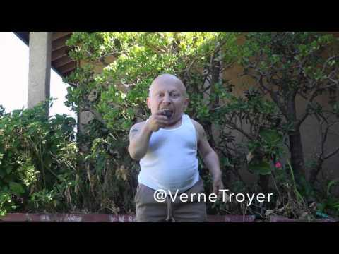 Verne Troyer Does The Ice Bucket Challenge Differently