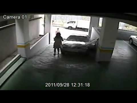 FAIL - How NOT To Enter A Parking Lot