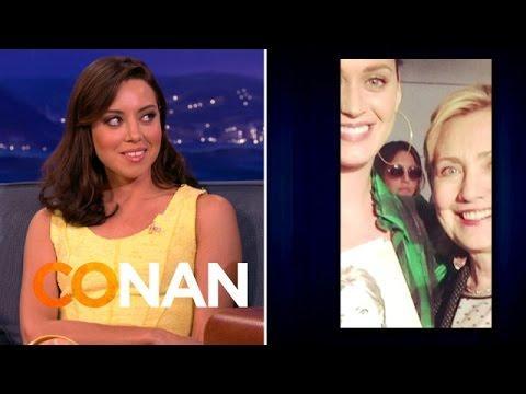 Katy Perry And Hillary Clinton Photobombed By Aubrey Plaza