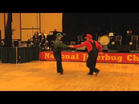 Awesome - Mario And Luigi Enter Dance Competition