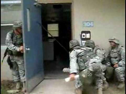 Jokes - How US Soldiers Clean The Laundry Room
