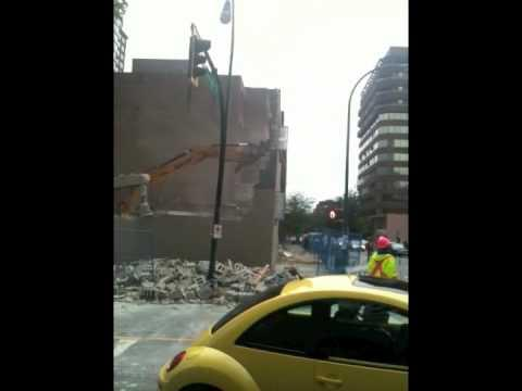 FAIL - Demolition Gone Wrong