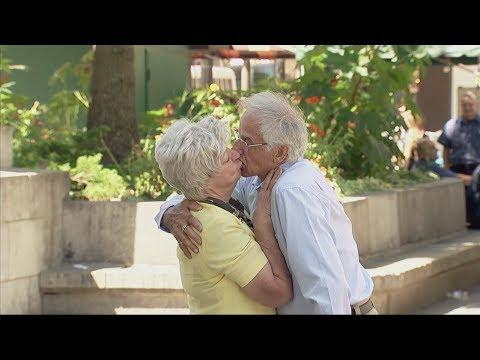 old couple's sexy poses for photos prank